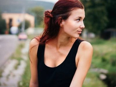 Skin Care Living - Skin Moisturizer Guide